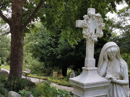 Friedhofsgaertnerei-Birkenmeier-Gartengestaltung-Saarland